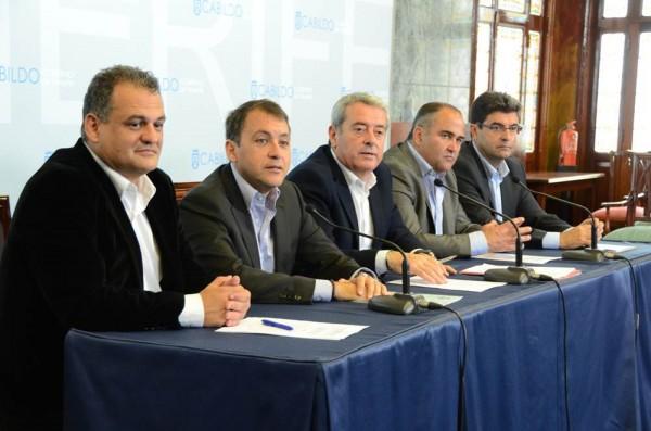 Díaz, Bermúdez, Abreu, Gil y Molina, ayer durante la presentación de las obras.   DA