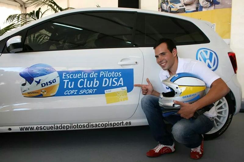 Escuela de Pilotos Tu Club DISA Daniel Santana
