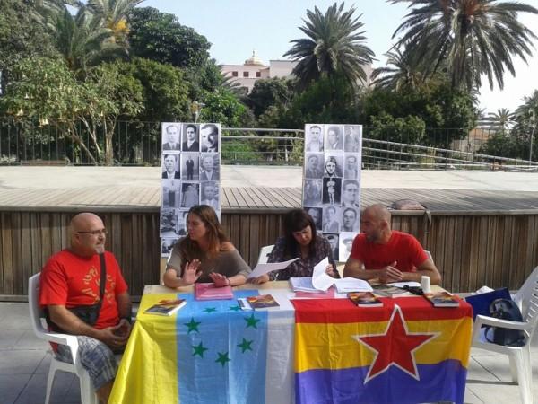 La directiva de la asociación, junto a una consejera del Cabildo grancanario, ayer, en rueda de prensa. / DA