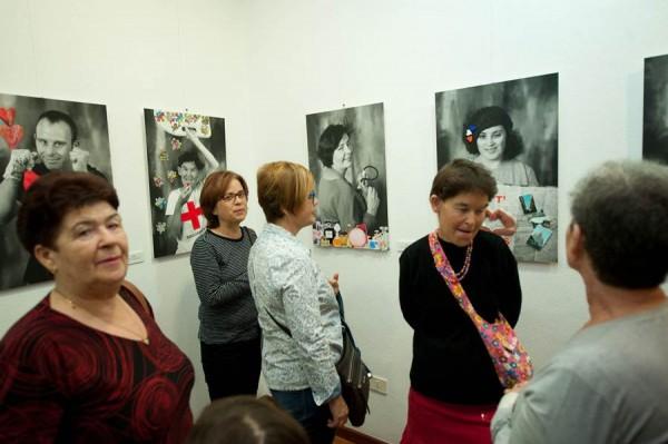 Algunos de los retratos y protagonistas de la muestra, abierta al público hasta el 29 de enero. | FRAN PALLERO