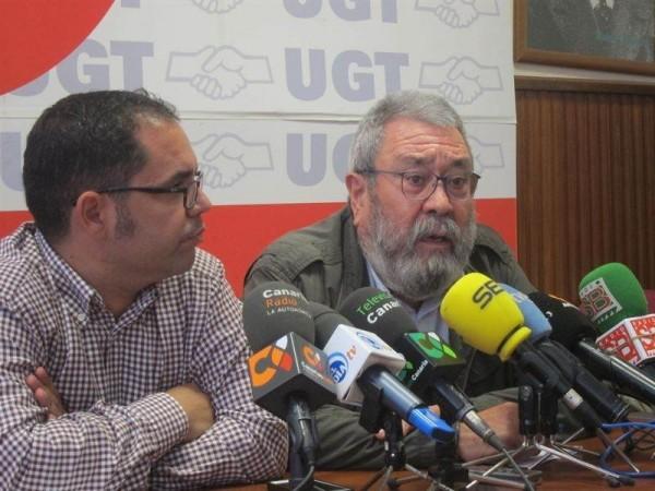 Gustavo Santana, durante una rueda de prensa con el secretario general de UGT, Cándido Méndez. | DA
