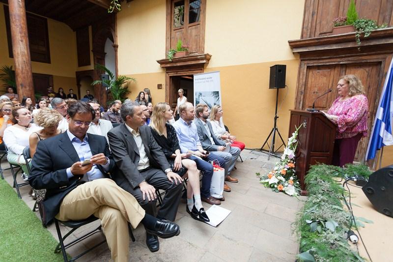 Acto de inauguración de la exposición, en la Casa de los Cáceres. / DA