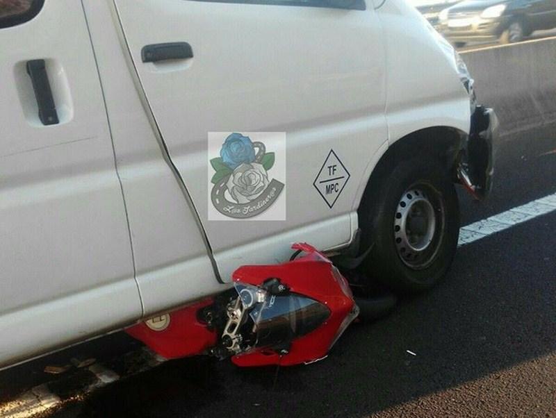 El accidente tuvo lugar en la TF-5 a la altura de La Matanza, sentido Santa Cruz. / L@S JARDINER@S