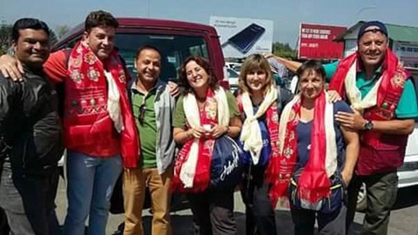La expedición de Dona Vida a Nepal estuvo formada por Cristina Durán, Teresa Díaz, María del Carmen Martínez, May, Germán Domínguez (presidente) y Rafael Lutzardo. / R.L.