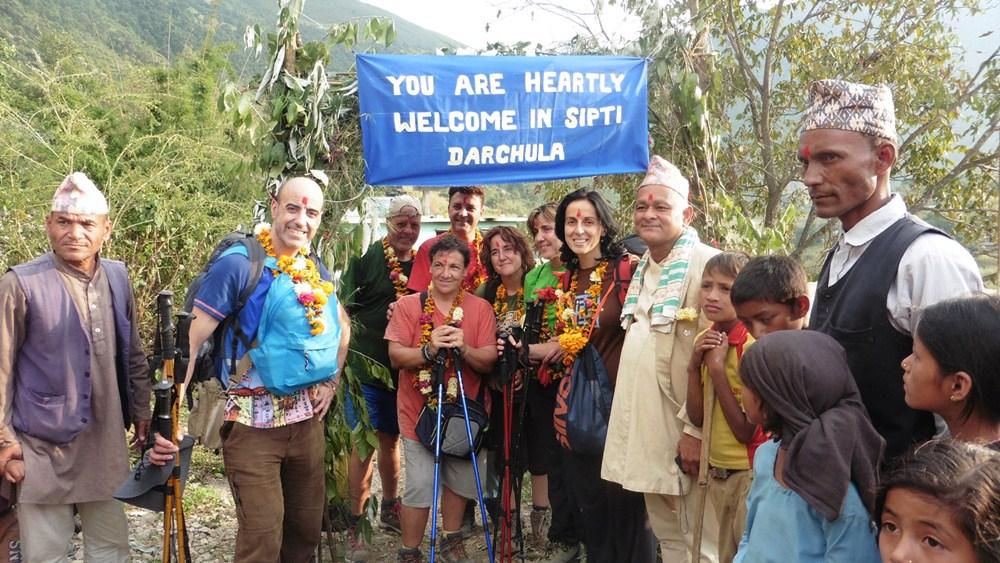 La expedición humanitaria de Dona Vida permaneció más de un mes en Nepal. / R. L.
