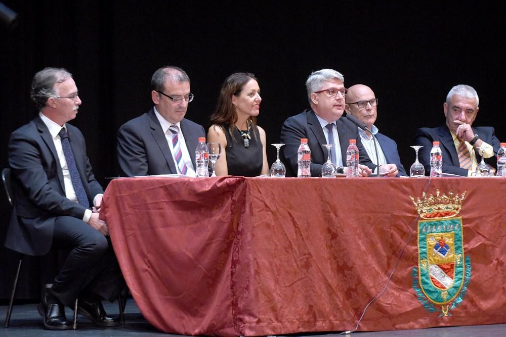 El Auditorio Juan Carlos I de Arafo acogió el miércoles por la noche la entrega de los premios que anualmente concede el programa de debate A la Pimienta, de la emisora local MínimaFM. / SERGIO MÉNDEZ