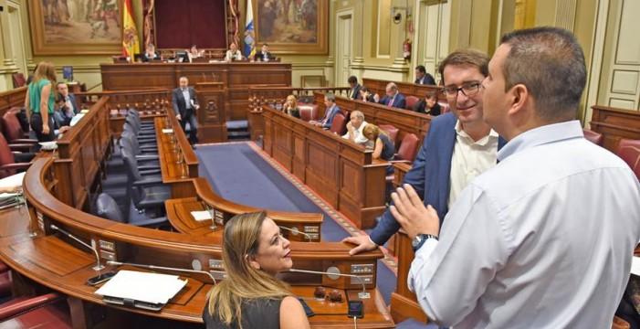 El Parlamento busca un mensaje de unidad contra el rupturismo