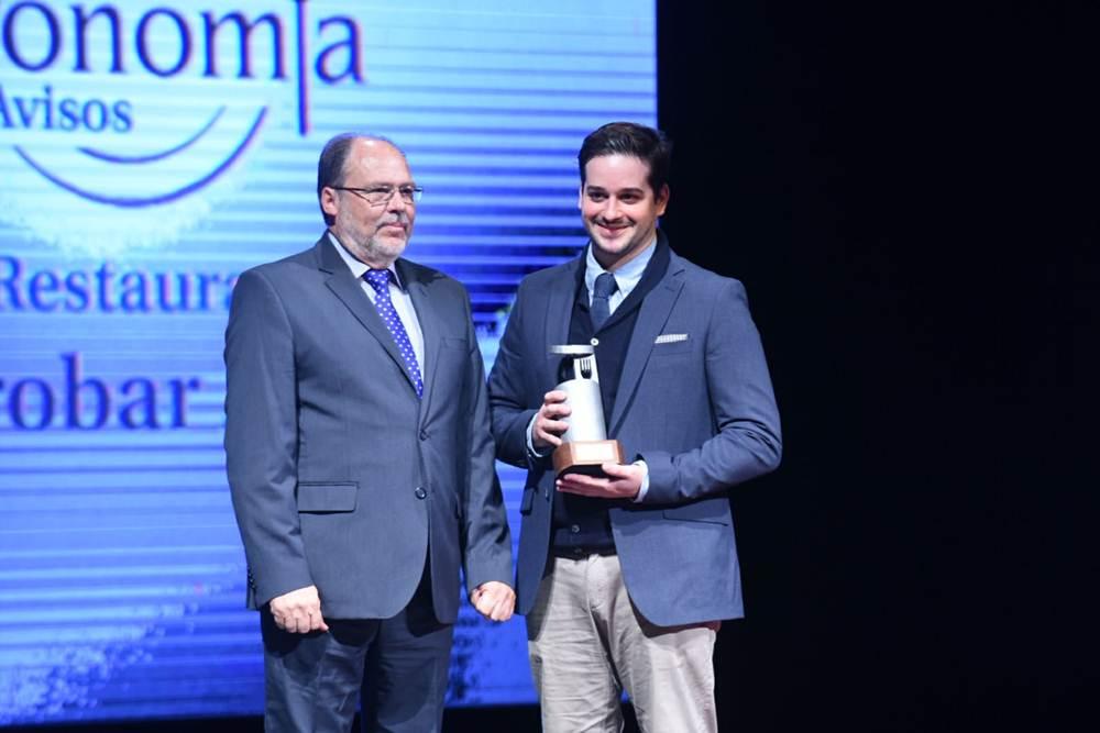 Premio Mejor Restaurante, gastrObarAIE, el joven chef Omar Bedia recoge el premio