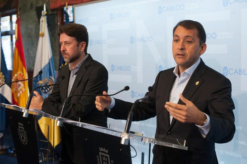 Carlos Alonso y José Manuel Bermúdez, ayer en rueda de prensa. / FRAN PALLERO