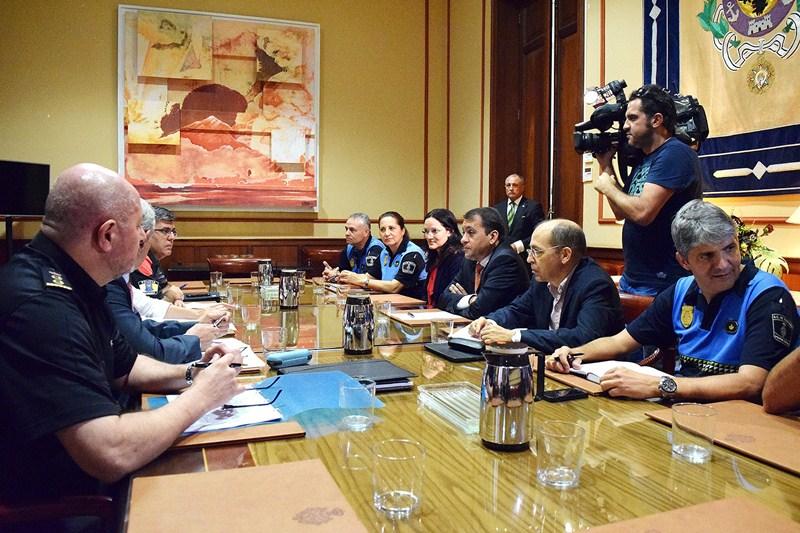 La Junta Local de Seguridad se reunió ayer de forma extraordinaria a instancias del Ayuntamiento. / DA
