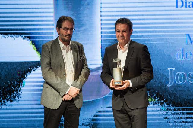 Pepe Ribagorda recibiendo el premio a mejor labor de fomento de la gastronomía. / DA