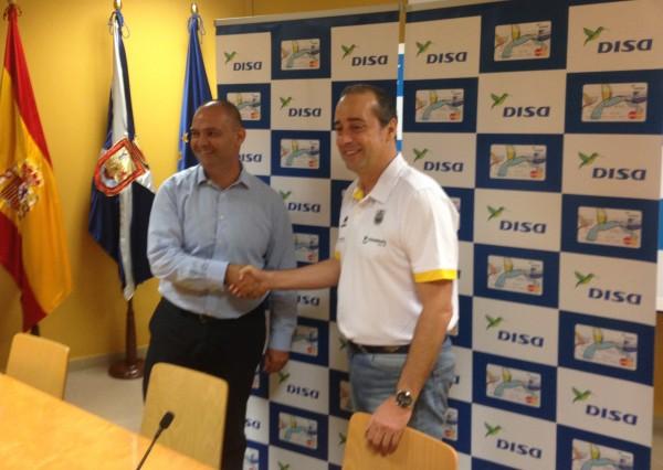 El entrenador vasco, junto a Aniano Cabrera| DA