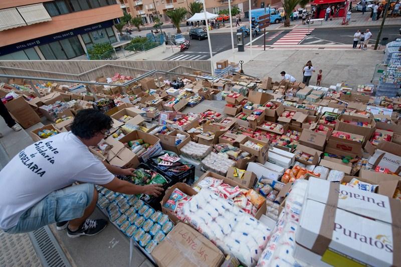 El año pasado se recogieron algo más de 20 toneladas de alimentos. / FRAN PALLERO