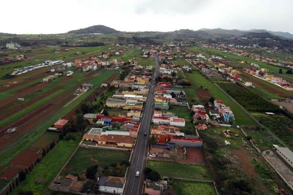 Los vecinos de San Lázaro denuncian que el barrio está marginado. | DA