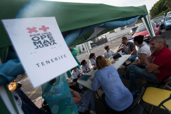 Las primeras tiendas del campamento fueron instaladas la noche del domingo junto a La Candelaria. | F. PALLERO