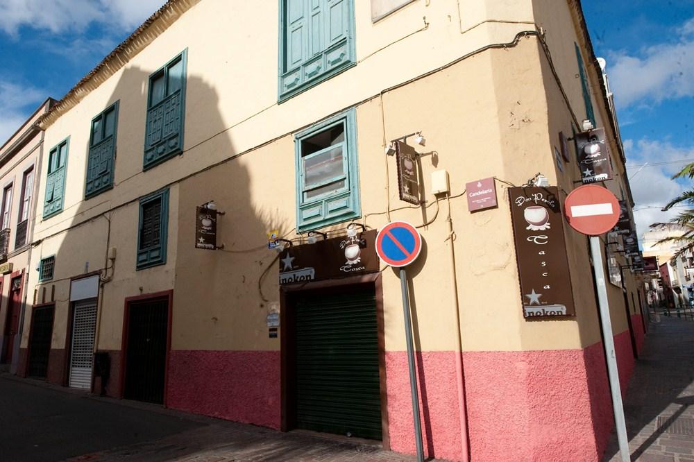 La partida más alta  se la llevan dos edificios ubicados en la esquinas de la   calle Candelaria con Imeldo Serís. / FRAN PALLERO