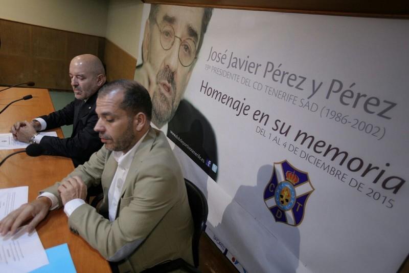 Presentación del programa de actos. / ANDRÉS GUTIÉRREZ