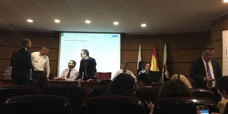 Imagen del recuento, ayer en Santa Cruz de Tenerife. / DA