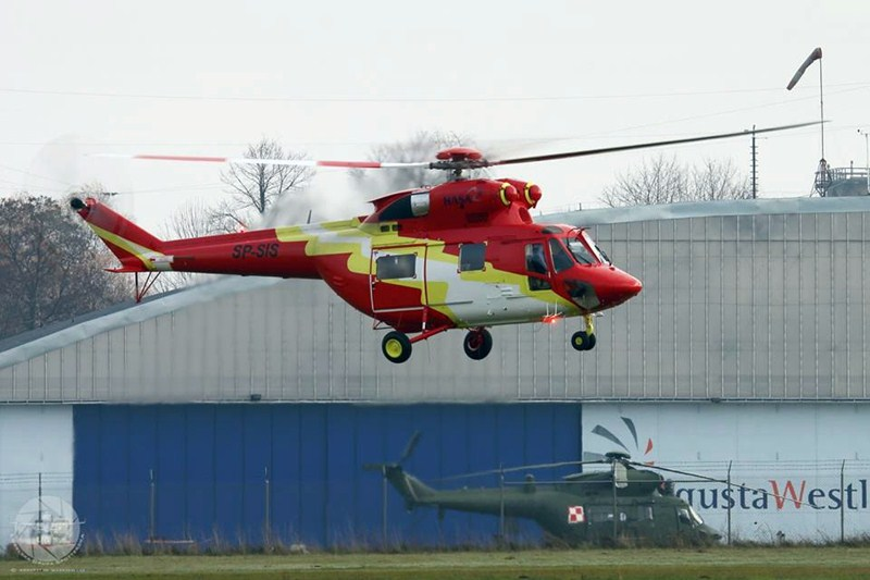 Imagen de un helicóptero de la compañía HASA. / hispánica de aviación