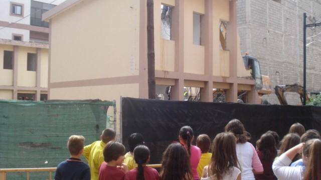 Demuelen el colegio  viejo de Las Galletas para construir un centro cívico