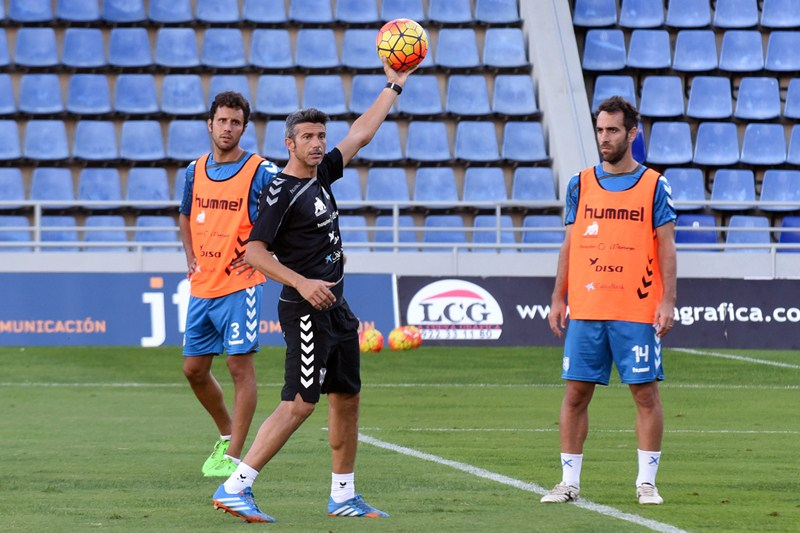 Martí, durante una sesión de trabajo con el CD Tenerife. / SM