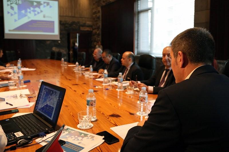 Reunión del consejo asesor del presidente del Gobierno de Canarias, el 20 de octubre. / DA