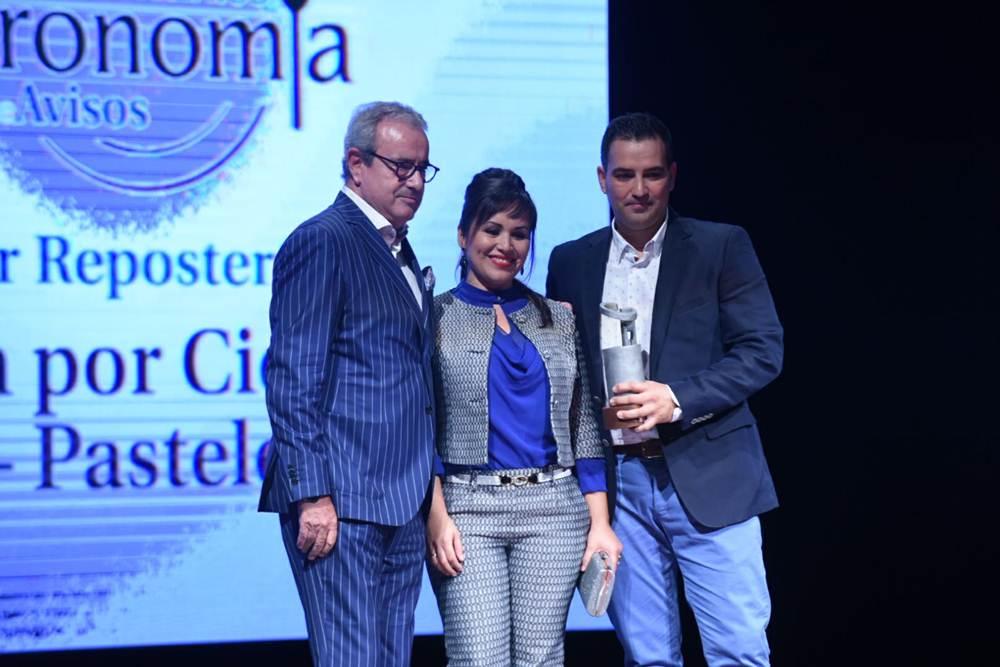 premio a Mejor Repostería, Alexis García y Marlene Hernández, de CienPorCienPan