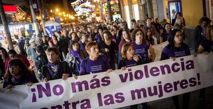 Un grito unánime une las Islas para acabar con los feminicidios
