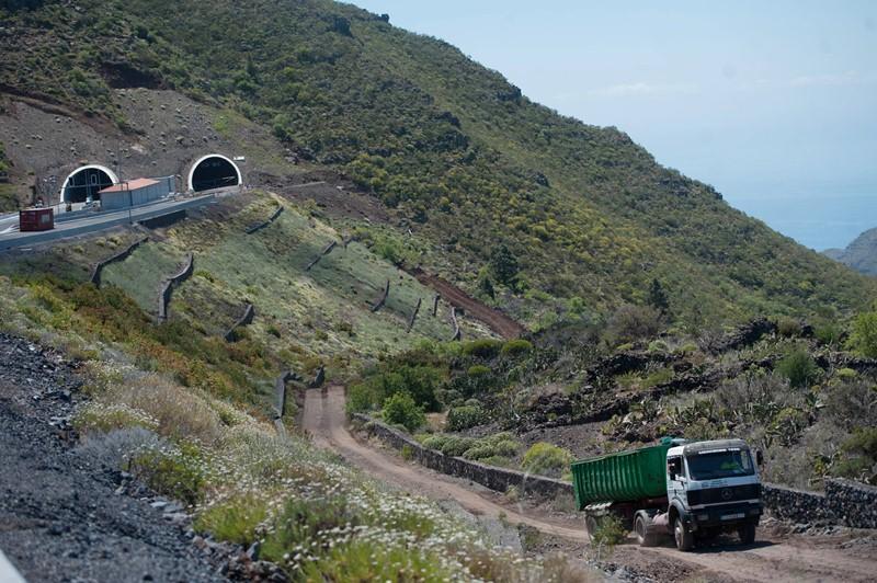 Las deficiencias, detectadas en marzo, se localizaron a la salida de una de las bocas del túnel de El Bicho. / FRAN PALLERO