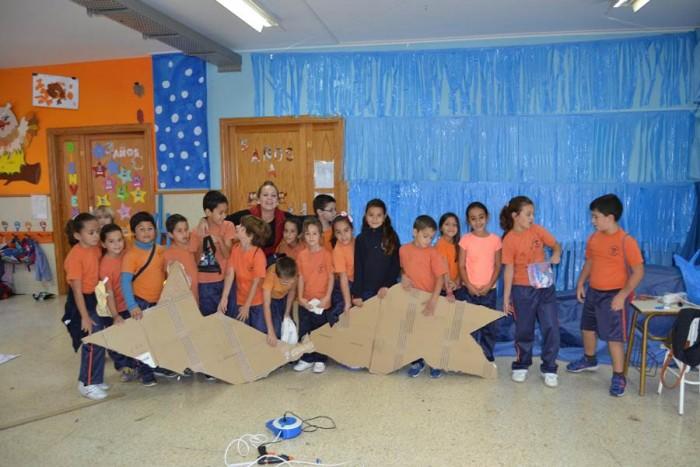 Los niños participaron durante toda la elaboración del nacimiento. | DA