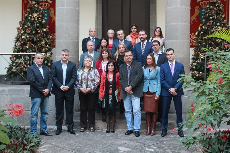 Diputados y miembros de la asociacion jk5022