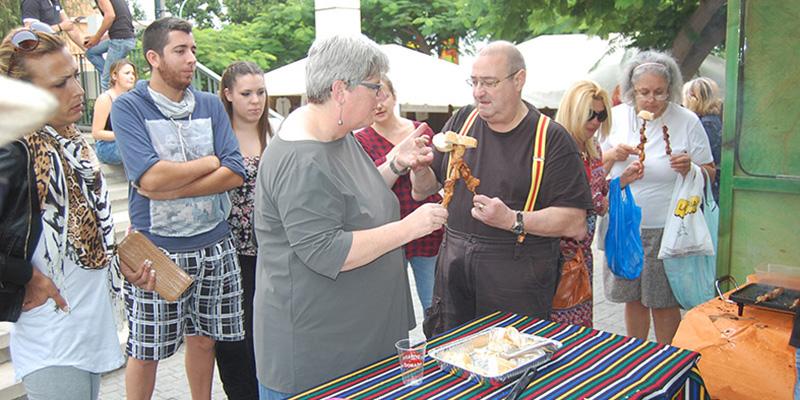 El público respondió y disfrutó de la gastronomía local. / DA