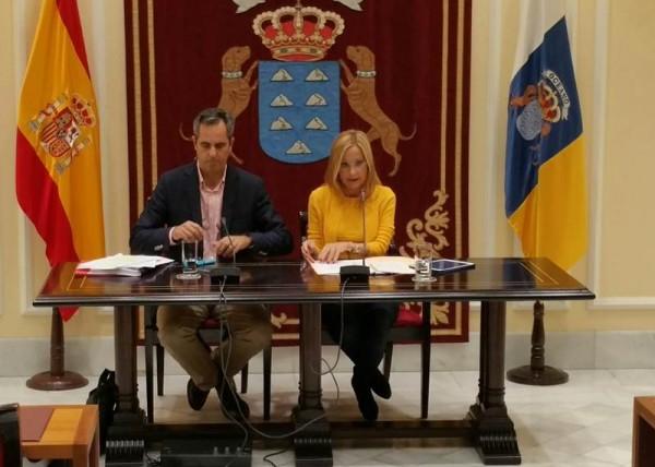 Los diputados del PP Miguel Blanco y Australia Navarro. | DA