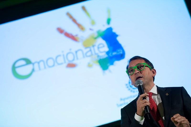 El alcalde, José Manuel Bermúdez, fue el encargado de inaugurar el encuentro celebrado, ayer, en el patio central del museo. / FRAN PALLERO