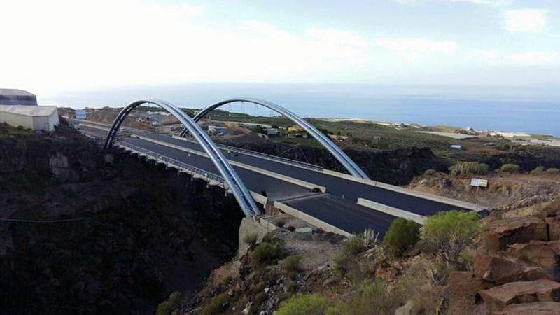 Aspecto que presentaba el viaducto de Erques la semana pasada. / DA