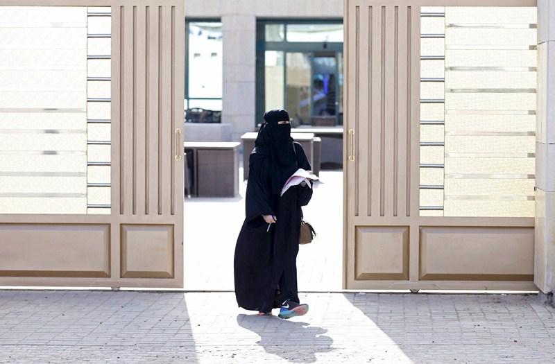 Una mujer de Arabia Saudí tras votar por primera vez. / REUTERS/Faisal Al Nasser