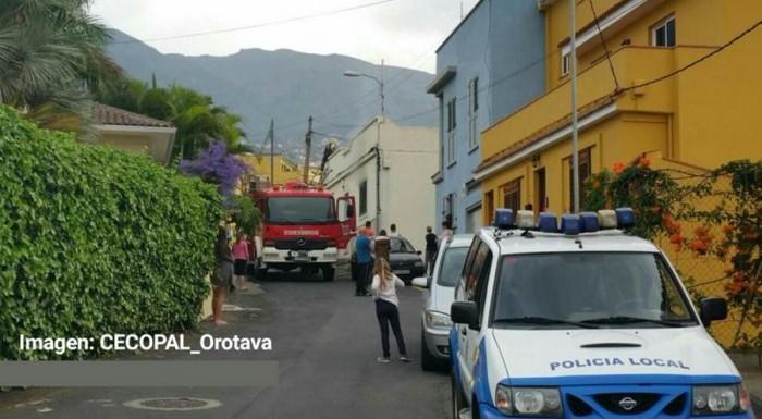 Momento de la actuación de los bomberos. | CECOPAL