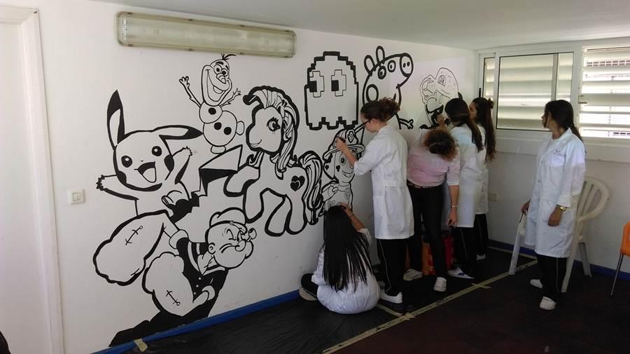 Uno de los murales se encuentra en un espacio interior. | DA