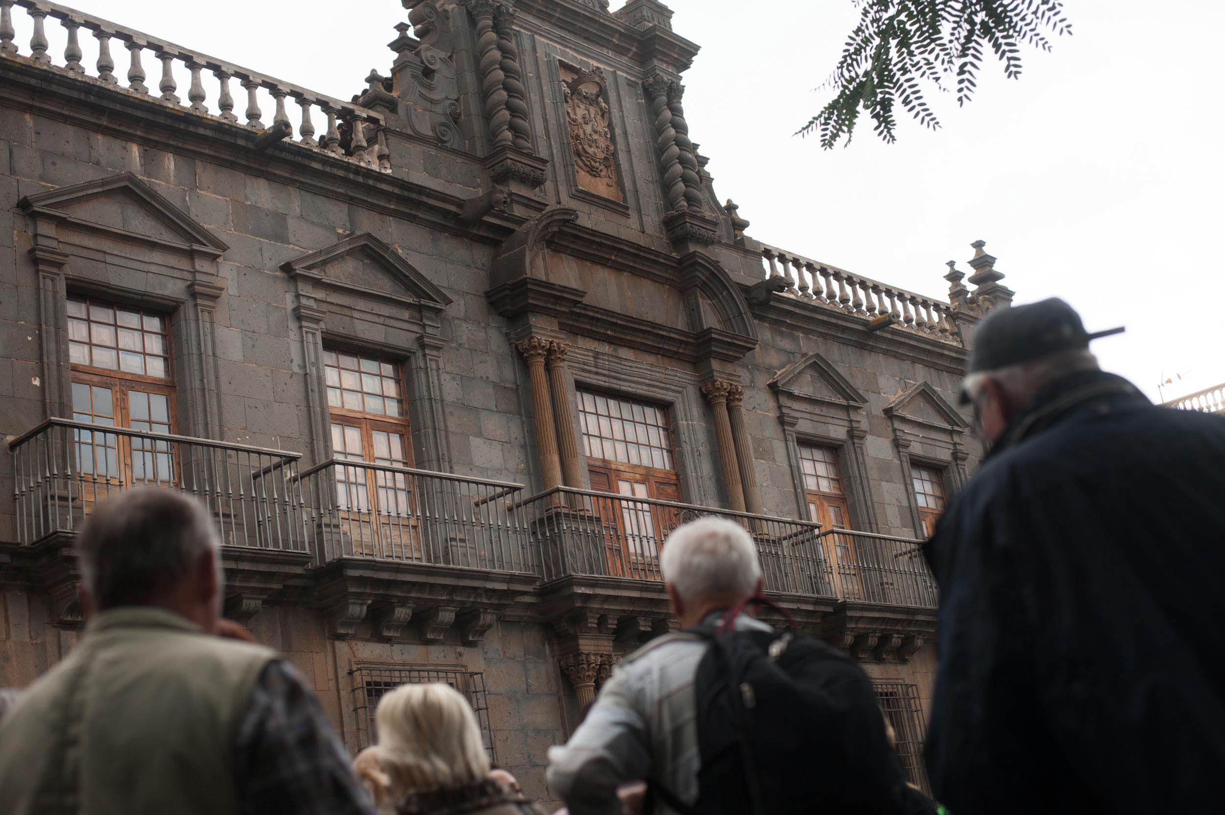 fp Palacio de Nava y Grimon00.jpg