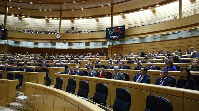 Seis de los 11 senadores directos de Canarias repiten candidatura