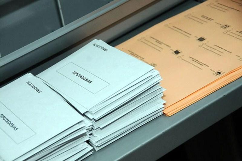 Papeletas para las elecciones generales de 2011. / DA
