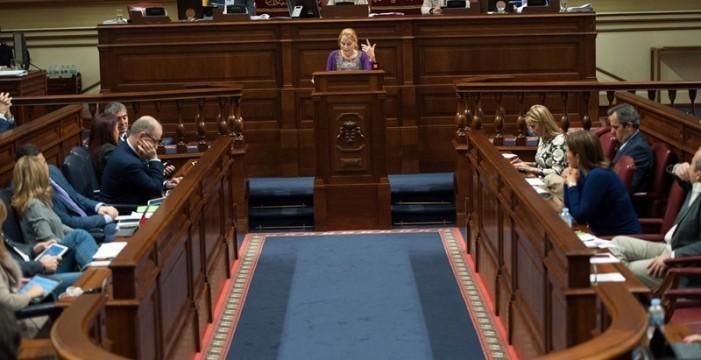 El Parlamento canario rechaza bajar el sueldo de los diputados