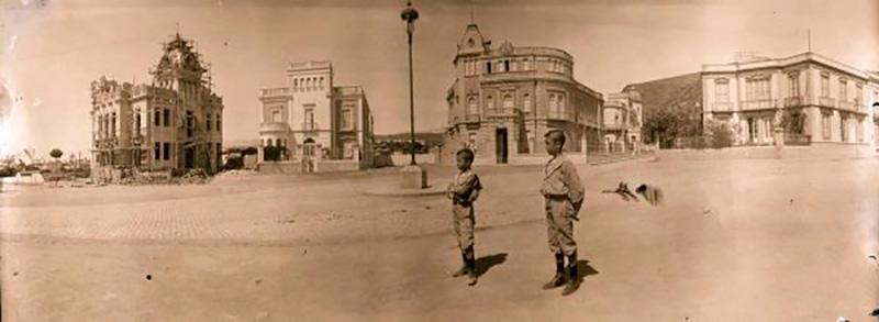 En 1906 se colocó la primera -y única- piedra del frustrado monumento al general O'Donnell en el lugar en el que años después se construyó la plaza 25 de Julio o de Los Patos. / DA