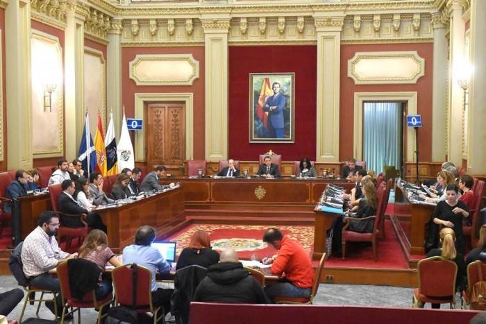 El Pleno aprobó unos presupuestos en los que se recoge una partida de un millón de euros para cubrir parte de las reclamaciones de Emmasa. | S. M
