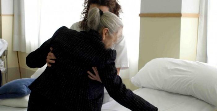 Canarias da de alta en un año a más de 600 cuidadores de dependientes
