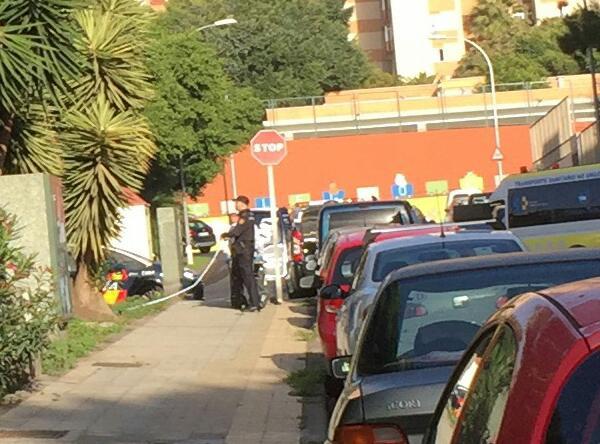La policía local se personó en el lugar de los hechos. / L@s  Jardiner@s