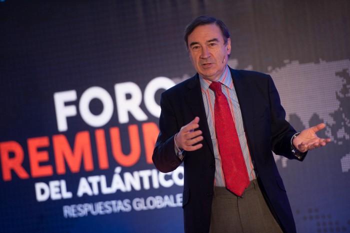 Pedro J. Ramírez, durante su intervención en el Foro Premium del Atlántico. / FRAN PALLERO