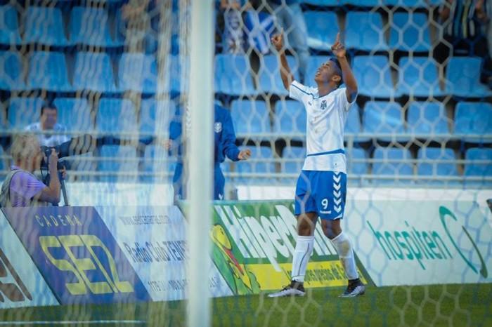 El Choco celebra su gol. | ANDRÉS GUTIÉRREZ