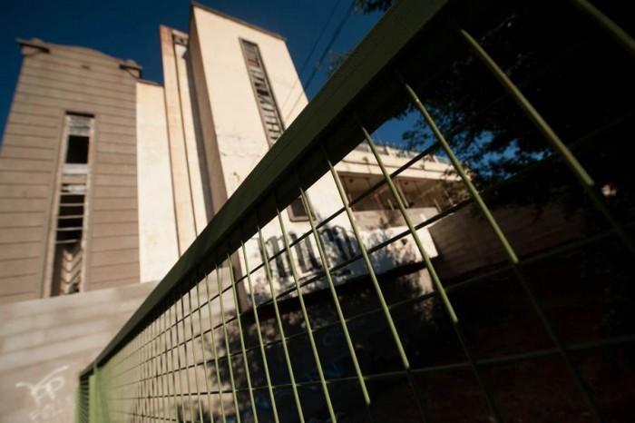 El Gobierno ha procedido al vallado perimetral del balneario. | F. P.