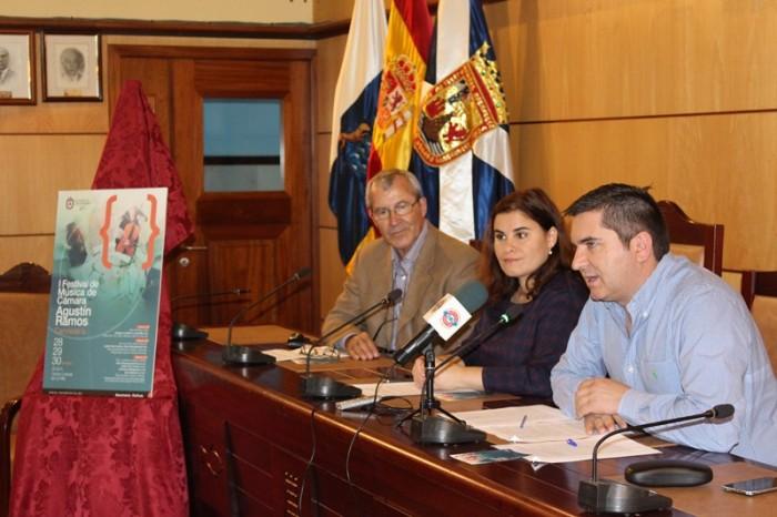 La presentación tuvo lugar ayer en el Ayuntamiento. / DA